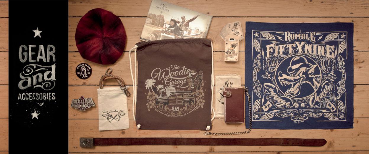 Accessoires auf Holzboden