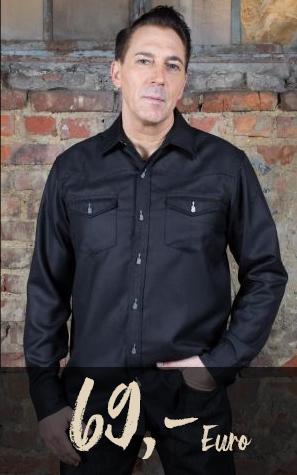 Mann in Hemd